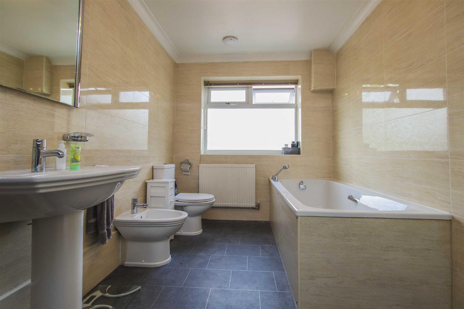 5 Bedroom Detached Bungalow For Sale - Image 26